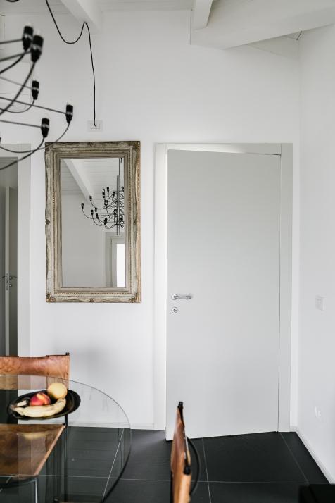 Falegnameria Cometti - porta interna liscia laccata